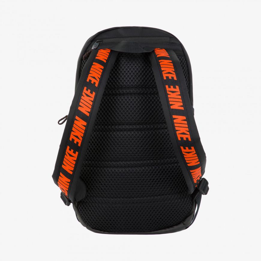 Nike Sportswear Essentials - фото 3